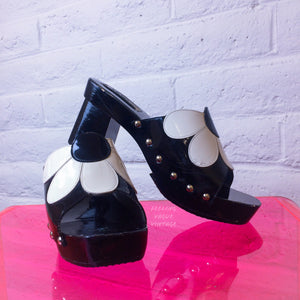 90's does 60's Retro Black and White Patent Daisy Slide Wood Platform Sandals with Metal Studs size 8