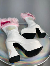 Load image into Gallery viewer, Fuzzy Pink Fur Sequin Hearts Bratz Boots size 5.5