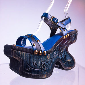Almost Famous Vintage 90's does 70's Unique Turquoise Blue Green Carved Wood Platform Sandals
