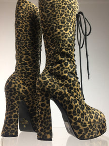 90's Fuzzy Faux Fur Knee High Leopard Print Lace Up Vintage Platform Boots // Size 6