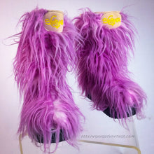 Load image into Gallery viewer, 90's Vintage Lavender Pink Tone Shaggy Faux Fur Yeti Club Kid Boots 9-10