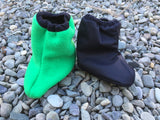 Littlies Black/kermit green shoe covers