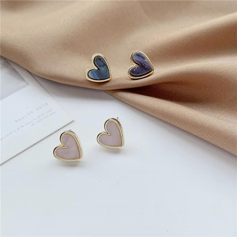 Sweet Acrylic Heart Stud Earrings