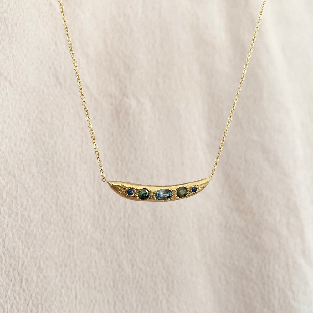 Load image into Gallery viewer, Sapphire Bar Necklace