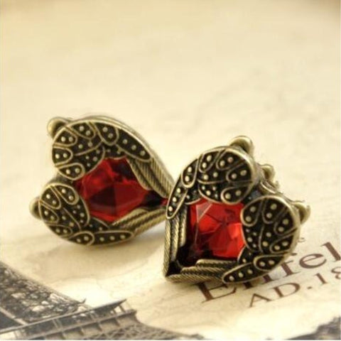 New Fashion Jewelry Vintage Heart Red Crystal Stud Earrings For Women Girls Nice Gift Retro Rhinestone Ear Bijoux Brincos EB309
