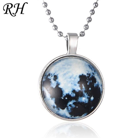 Vintage Long Moon Glow In The Dark Necklace Glow Moon Necklace For Women Jewelry Cabochons lunar Pendant Fluorescence Light