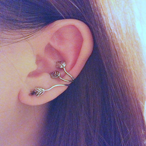 Beat leaves ear clip Earring