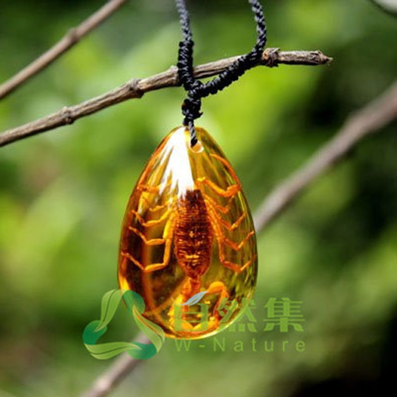 Fashion Insect Golden Scorpion Ambers Drop Pendant Necklace Jewelry Gifts for Women Men