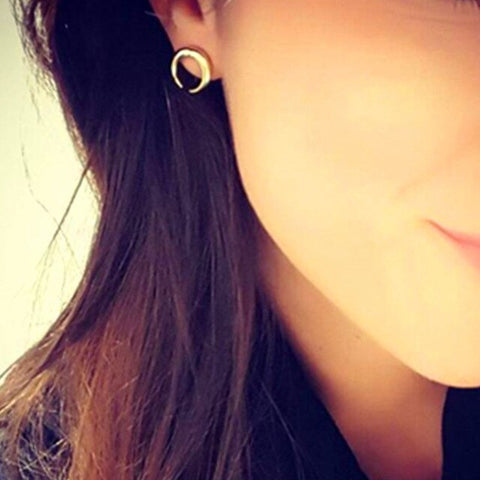 New popular elegant earring silver gold color little moon design metal stud earrings for women girl fashion jewelry gift e058