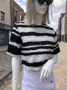 Monochrome crop top