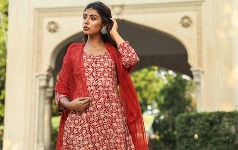 products/Ambika_Red_Set_1.jpg
