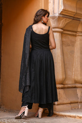 products/Noori_Black_Anarkali_Set_2.jpg