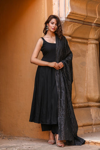 products/Noori_Black_Anarkali_Set_3.jpg
