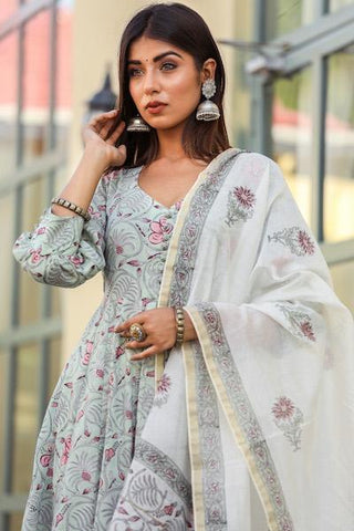 products/Sharmila_Mint_Set_1.jpg