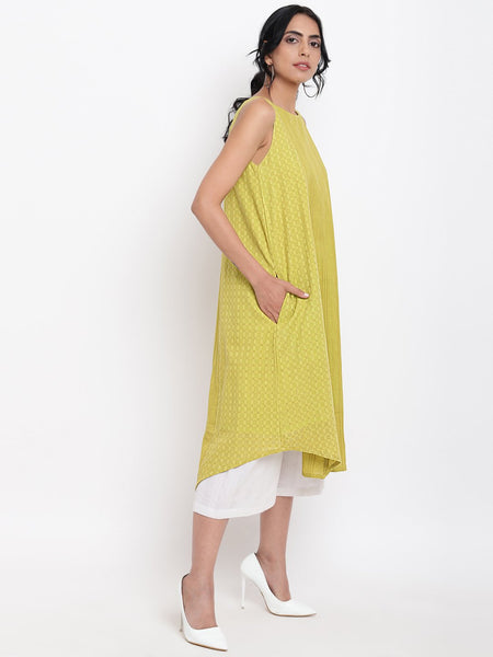 Green Cotton Panelled Kurta White Pant