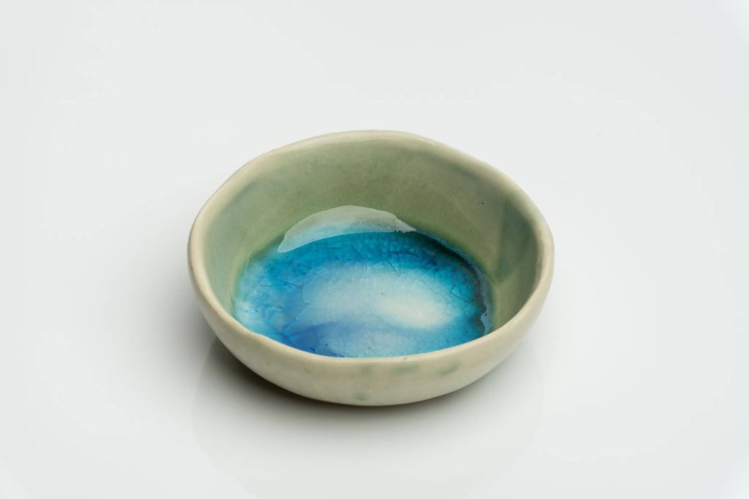 Ceramic jewellery bowl / ring dish. Handcrafted in Ireland. Sea range.