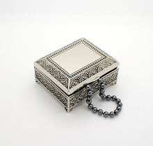 Personalized jewelry box - 4 Inch Antique jewelry box - Engraved keepsake box - Silver trinket box