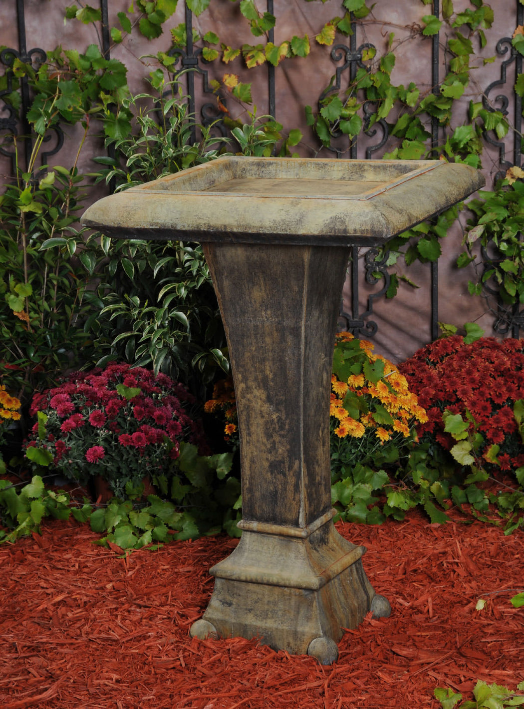 US Square Contemporary Bird Bath