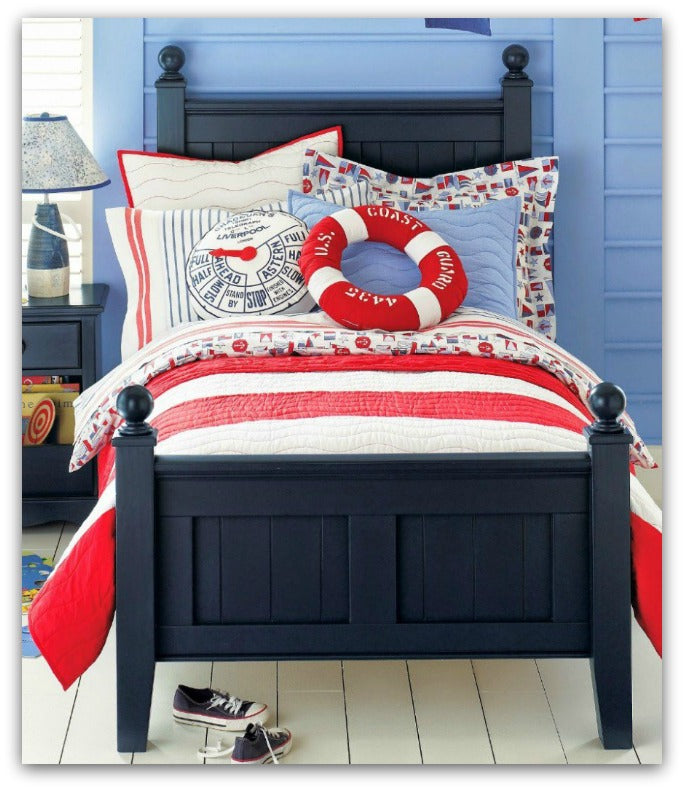 Loombrand-Blue-and-Red-Bedroom-for-kids-fun-nautical-theme-coastal-living