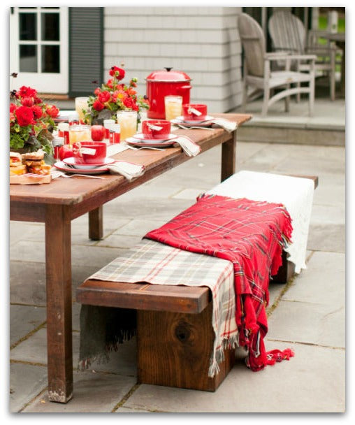 stylemepretty-fall-decorations-bench-red