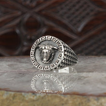 Cargar imagen en el visor de la galería, 925 Sterling Silver Medusa Ring for Men Mens Accessories Rings All Size