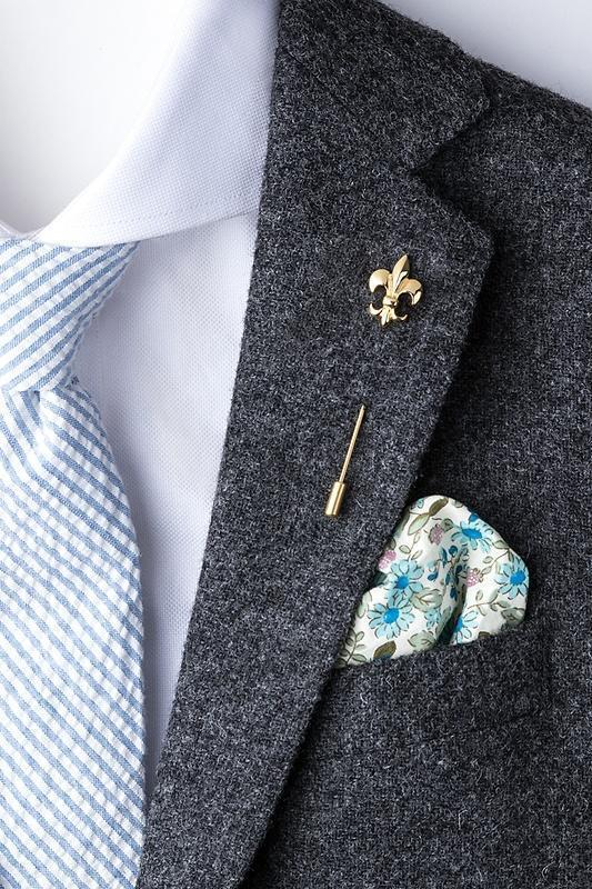 Fleur De Lis Lapel Stick Pin in Gold