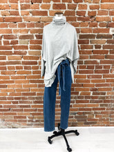Load image into Gallery viewer, Cordelia Top in Heather Grey
