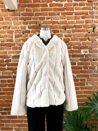 Vail Faux Fur Hooded Jacket in Cream