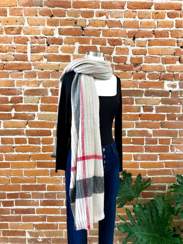 Vineyard Pleated Scarf in Plaid