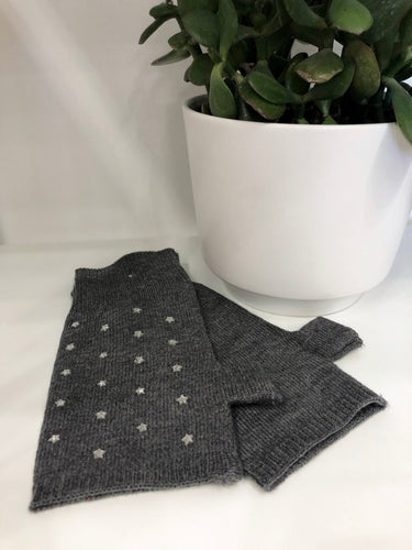 Fingerless Gloves in Grey Stars