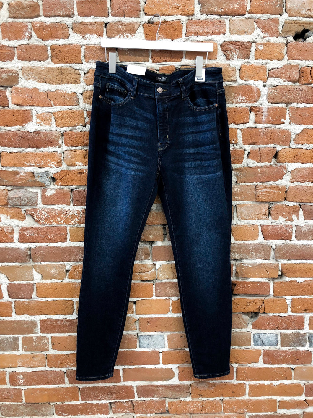 Amber Skinny Denim in Dark Wash