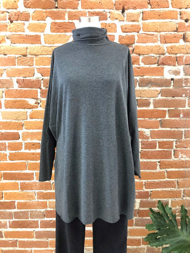 Cordelia Top in Charcoal
