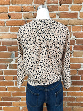 Load image into Gallery viewer, Mama Mia Tie Blouse in Beige Cheetah