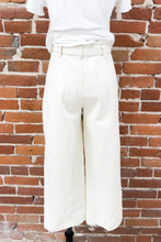 Load image into Gallery viewer, Avery Cropped Trousers in Ivory