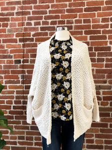 Harlan Cardigan in Cream