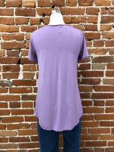 Load image into Gallery viewer, Everyday Short Sleeved Tee in Orchid