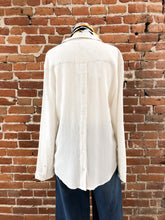 Load image into Gallery viewer, Samantha Button back Long Sleeve Shirt in Ivory