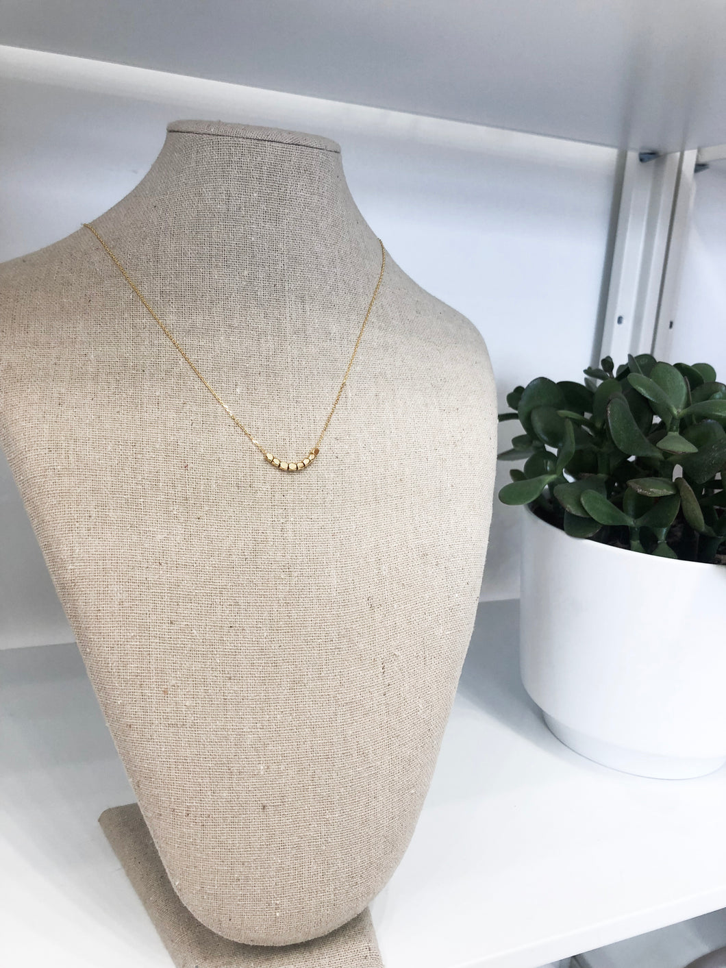 Eight Little Beads Necklace in Gold