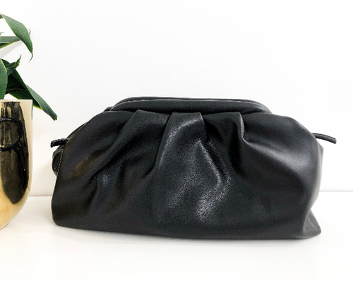 Lenora Clutch in Black