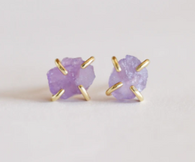 Load image into Gallery viewer, Amethyst Prong Gemstone Earrings
