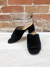 Load image into Gallery viewer, Hilary Cross-Strap Sandal in Black - FINAL SALE