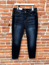 Load image into Gallery viewer, Mimi Dark Wash Skinny Jean