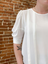 Load image into Gallery viewer, Clemons Pleated Woven Top in White