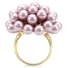 Load image into Gallery viewer, 1W051 - Gold Brass Ring with Synthetic Pearl in Light Amethyst