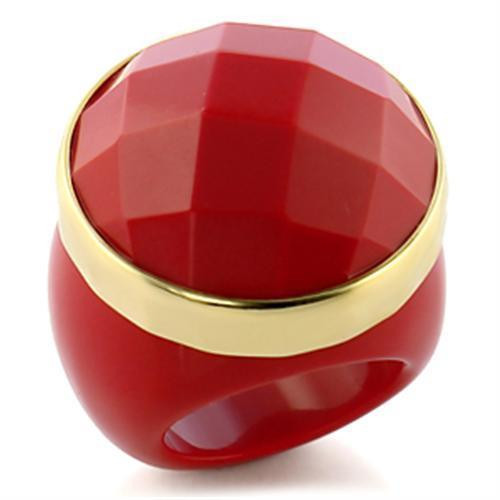 9W192 - Gold Brass Ring with Synthetic Synthetic Stone in Ruby