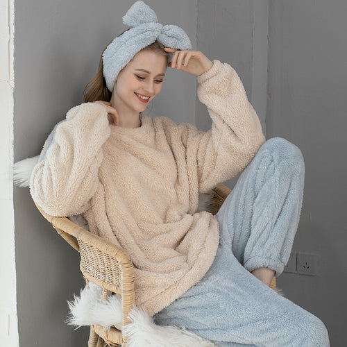 <b>Fluffy Muffin</b><br>fleece pajamas with scarf EN1014