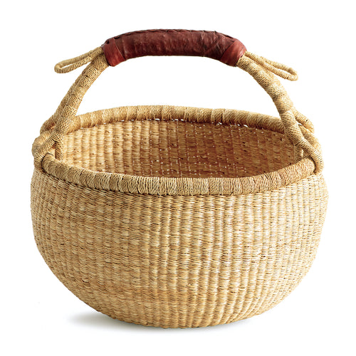 Medium round basket from Bolgatanga, handwoven, natural color