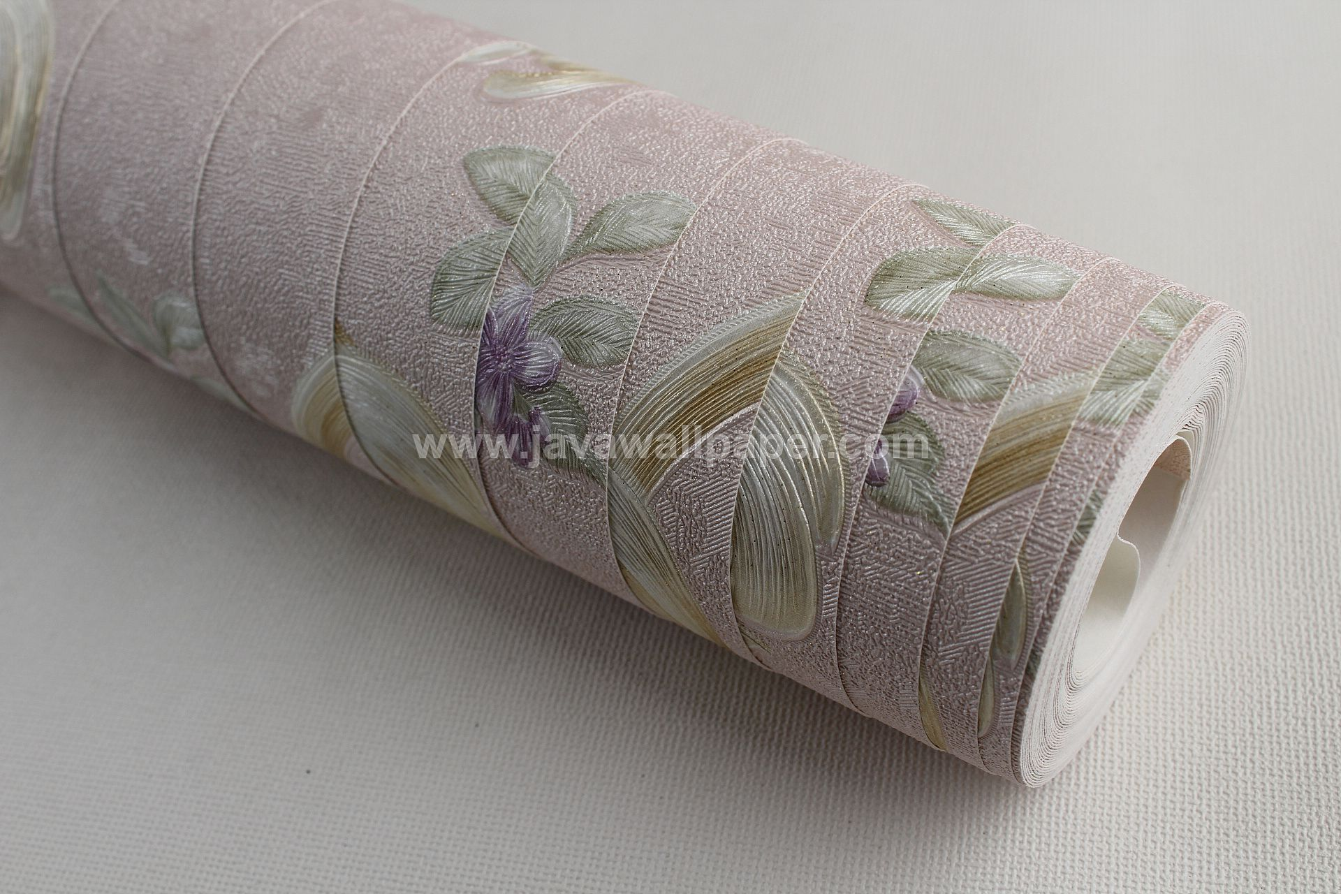 Wallpaper Dinding Bunga Batik Cream Ungu RO134 - Java Wallpaper