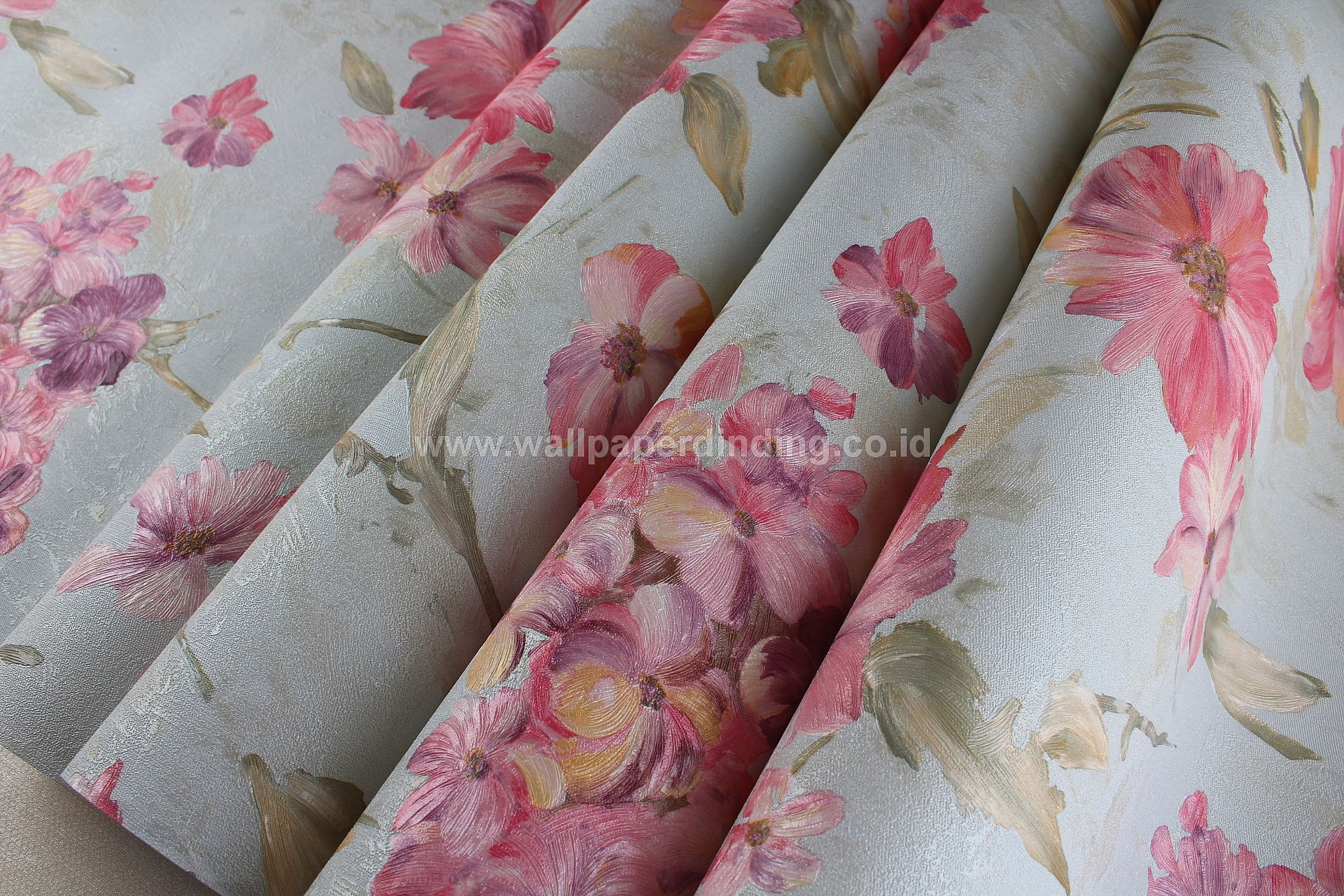 Wallpaper Dinding Bunga Pink MG-106505 - Java Wallpaper