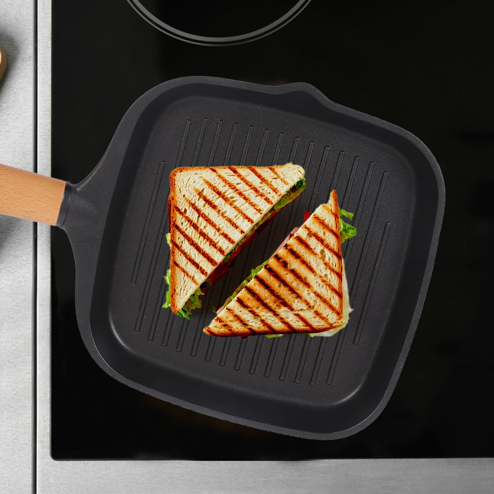 Caesar Aluminium Nonstick Grill Pan With Wooden Handle- 24cm, 1.4L, 5mm, Black